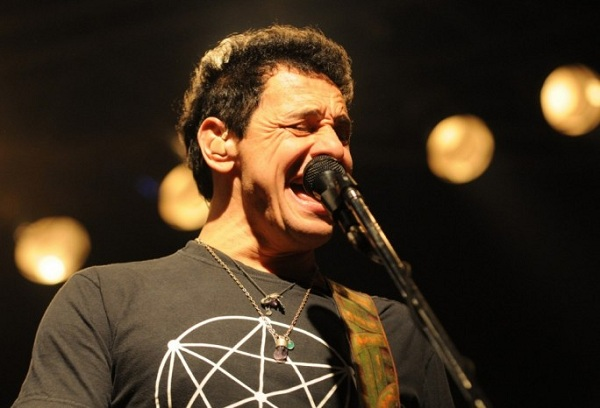 Divididos regrabará sus primeros tres discos