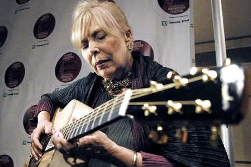 "Domingo Retro: Joni Mitchell, ""Good Friends"""
