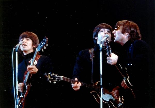 Inauguran en Liverpool una estatua de The Beatles por los 50 años de su último show en la ciudad