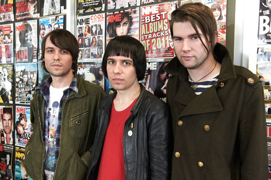 The Cribs, «Burning For No One»