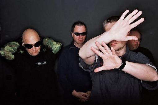 El grupo belga Front 242 trae su música electrónica al Teatro Vórterix
