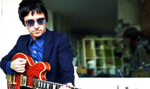 "Johnny Marr reflexiona sobra la fama en ""The Bright Parade"""