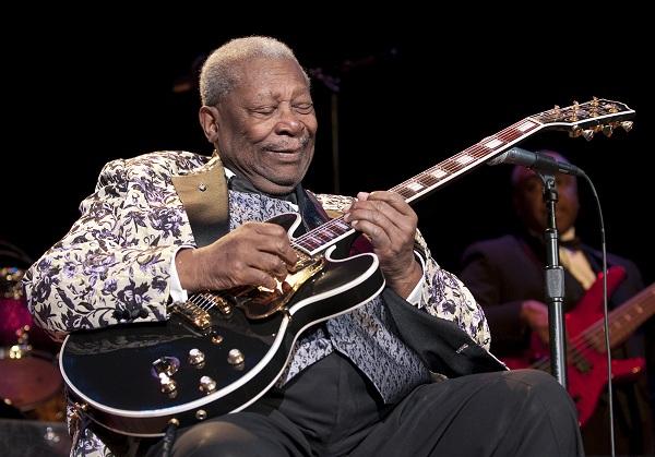 Cinco años sin B.B. King, el generoso monarca del blues de comportamiento plebeyo