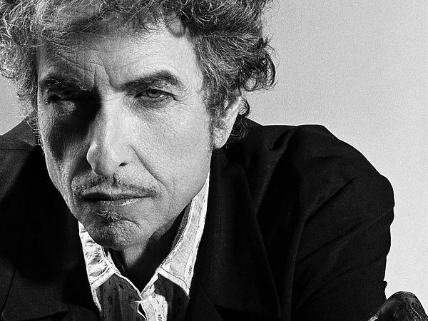 "Tres semanas después de ""Murder Most Foul"", Bob Dylan publica ""I Contain Multitudes"""