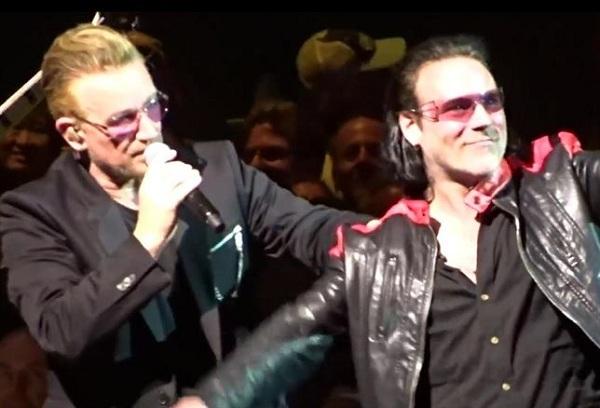 """U2 interpreta """"Sweetest Thing"""" con un imitador de Bono"""
