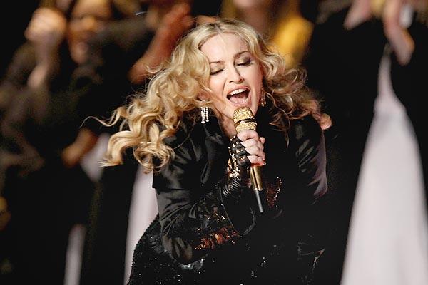 Madonna visitó varios orfanatos antes de sus dos conciertos de Manila