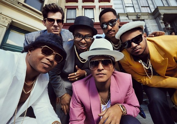 """Uptown Funk"" suma cinco compositores por una demanda legal de The Gap Band"