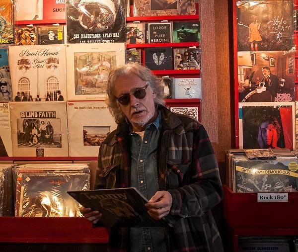 Nito Mestre llega a San Nicolás para celebrar sus 45 años con la música