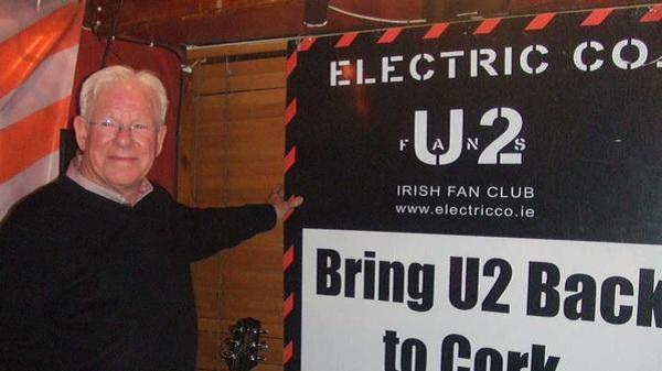 Murió en Los Ángeles el road manager de U2, Dennis Sheehan
