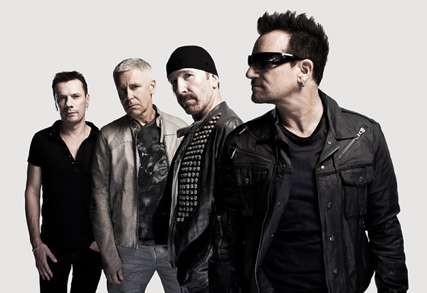"U2 homenajeó a B.B. King tocando ""When Love Comes to Town"""