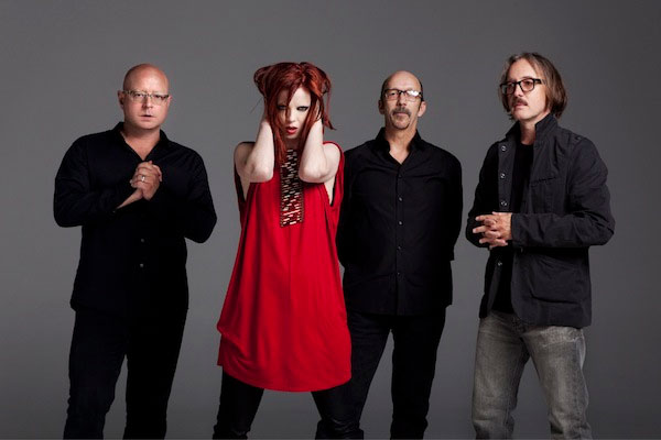 "Garbage compartió ""Destroying Angels"", una nueva canción grabada con la banda punk X"