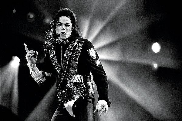 Michael Jackson lidera cómodamente la lista de muertos que más dinero ganan