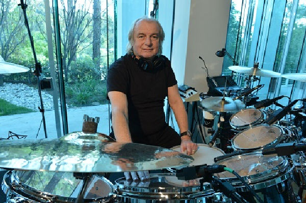 Alan White dice que Yes seguirá sin Chris Squire