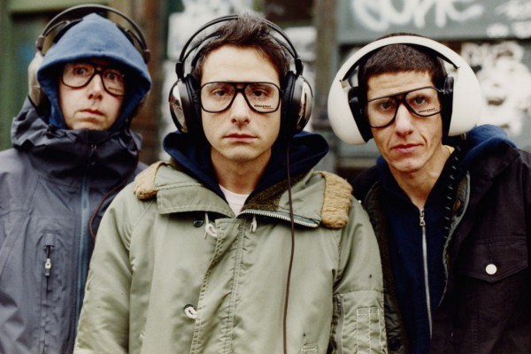 """Los Beastie Boys revelan que """"Sabotage"""" está inspirada en el ingeniero de grabación Mario Caldato Jr."""