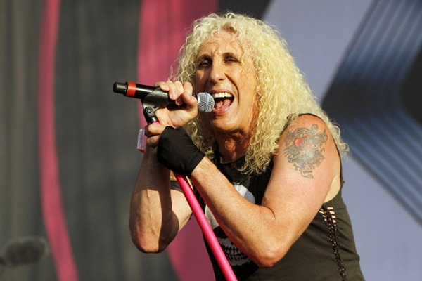 "Dee Snider presenta una canción solista, ""To Hell and Back"""