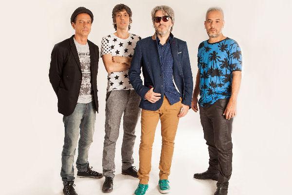 """Estelares presentó el videoclip de """"Las Antenas"""", protagonizado por Jazmín Stuart y Fabricio Mercado"""