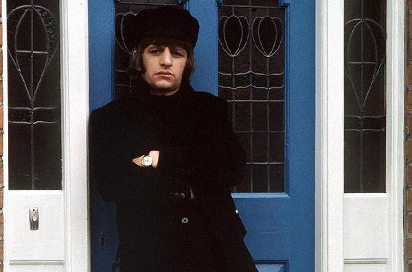 http://crock.com.ar/wp-content/uploads/2015/07/Ringo-Starr-beatles-help-1965.jpg