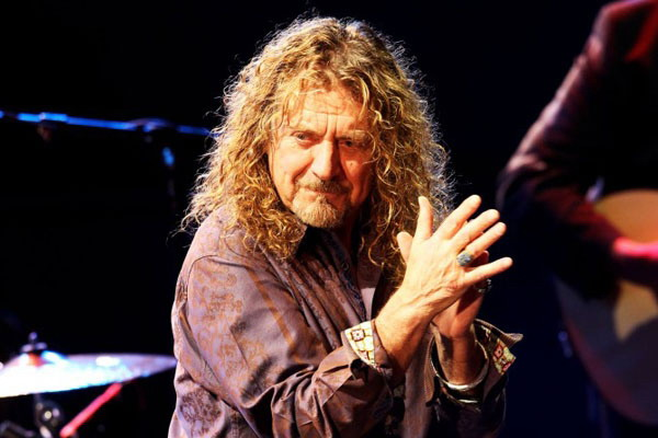 "Robert Plant interpretó ""Immigrant Song"" de Led Zeppelin por primera vez en 24 años"