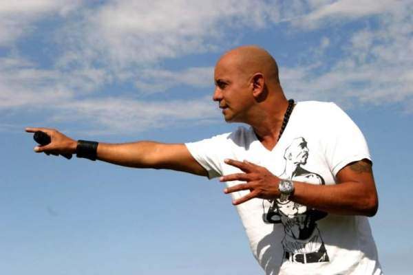 """Bahiano presentó el videoclip de """"Lo que te queda"""" y anuncia show en La Trastienda"""