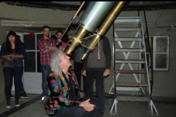 Brian May vio el eclipse desde el Observatorio de Córdoba