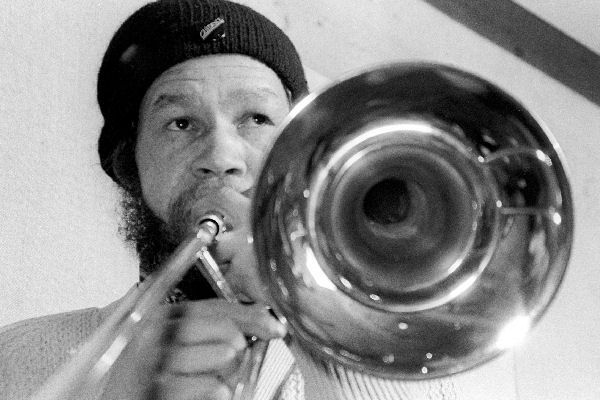 Falleció Rico Rodriguez, trombonista de The Specials