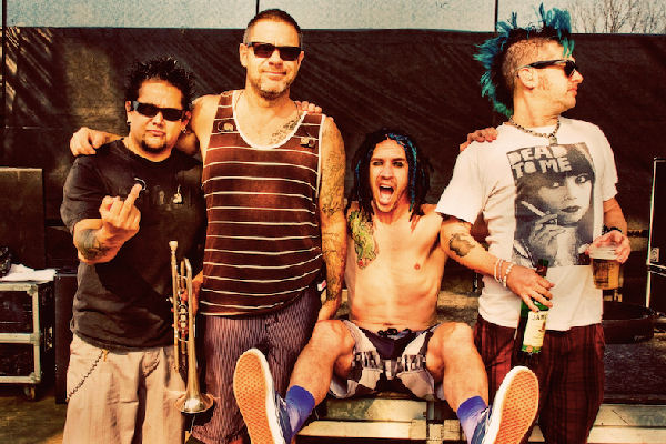 "NOFX llega a la Argentina para presentar su documental ""Backstage Passport"""
