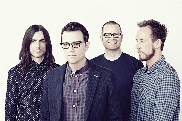 "Weezer anuncia el lanzamiento de ""The Black Album"" y adelanta el single ""Can't Knock the Hustle"""