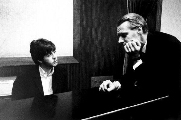 """Hoy cumple 90 años George Martin, """"el quinto Beatle"""""""