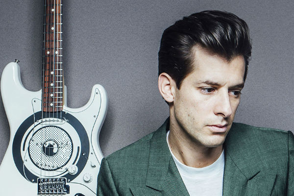 "Mark Ronson compartió ""I Want To See The Bright Lights Tonight"", una colaboración con la cantante Raissa"