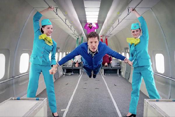 Mirá el impactante videoclip de OK Go rodado en gravedad cero