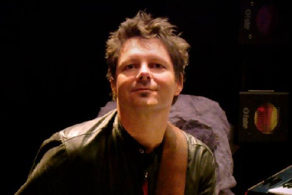 Murió Paul Gordon, guitarrista y tecladista de The B-52's y New Radicals