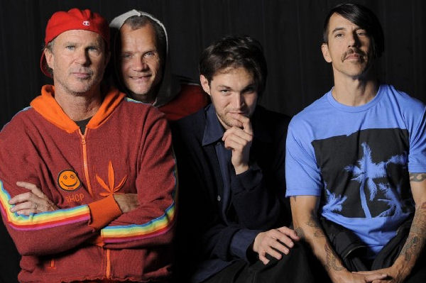 El show de Red Hot Chili Peppers en las pirámides de Egipto podrá verse por streaming