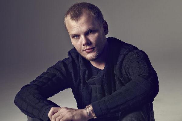 Falleció a los 28 años el reconocido DJ sueco Avicii