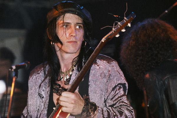 Izzy Stradlin no será parte de la vuelta de Guns N' Roses
