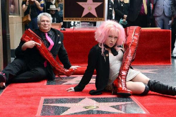 Cyndi Lauper ya tiene su estrella en el Paseo de la Fama de Hollywood