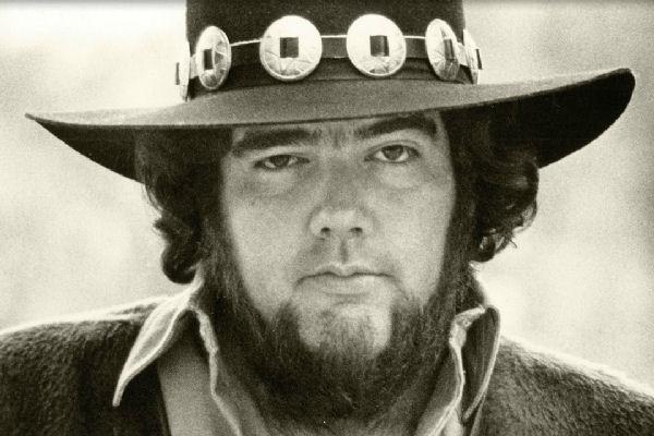 Falleció el influyente guitarrista de blues Lonnie Mack