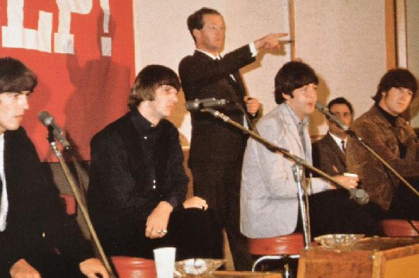 Falleció Tony Barrow, quien acuñó la frase «The Fab Four» en referencia a The Beatles