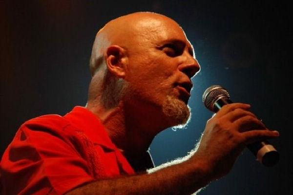 """Gustavo Cordera estrenó """"Ya No Quiero Castigo"""" y """"Ese Mundo"""", dos videos de su próximo álbum"""
