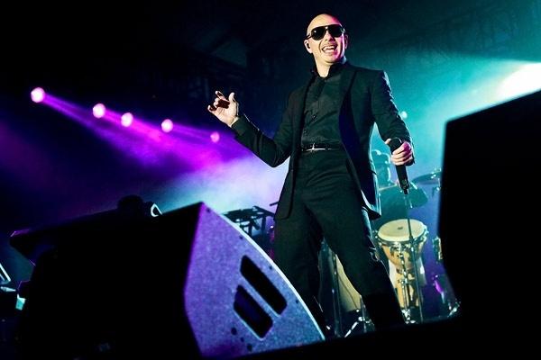 El nuevo single de Pitbull está inspirado en un clásico de REO Speedwagon