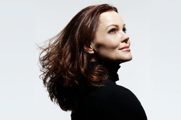 "Domingo Retro: Belinda Carlisle, ""Heaven Is A Place On Earth"""