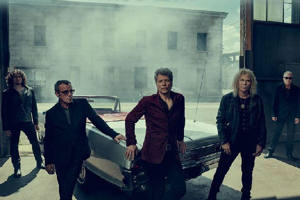 "Bon Jovi estrenó el single y videoclip ""This House is Not For Sale"""