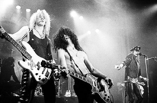 """Duff McKagan dice que las nuevas canciones de Guns N' Roses son """"magníficas"""""""
