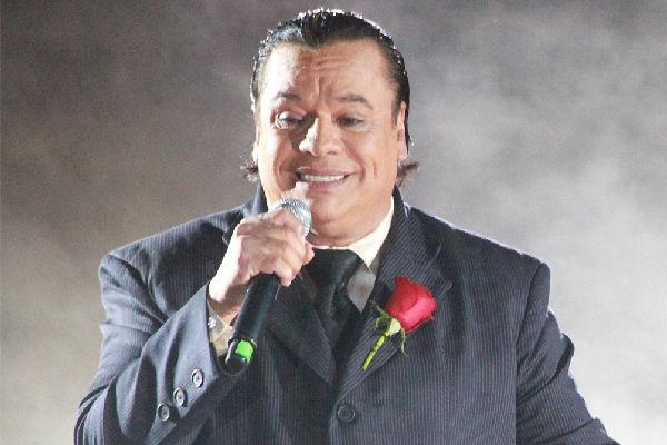 Murió el reconocido cantante mexicano Juan Gabriel: sus vínculos rockeros