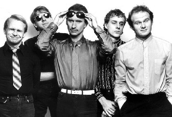 "Domingo Retro: Men at Work, ""It's a Mistake"""