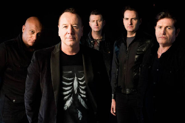 Simple Minds celebra sus 40 años con un recopilatorio y una gira