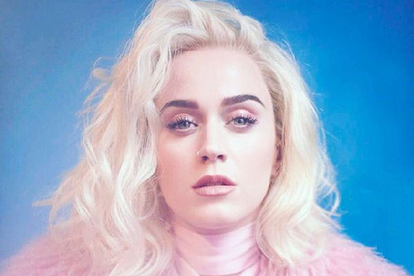 "Katy Perry estrenó el colorido videoclip de ""Chained To The Rhythm"""