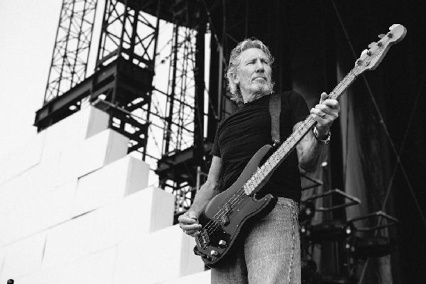"Escuchá ""Smell the Roses"", el nuevo single de Roger Waters"