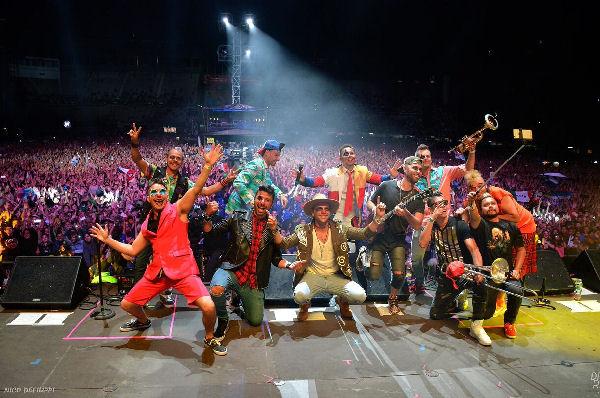 Los Caligaris ofrecieron una fiesta ante 60 mil personas en el Vive Latino de México