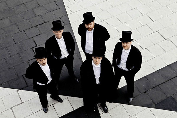 El cantante de The Hives no descarta sacar un disco solista