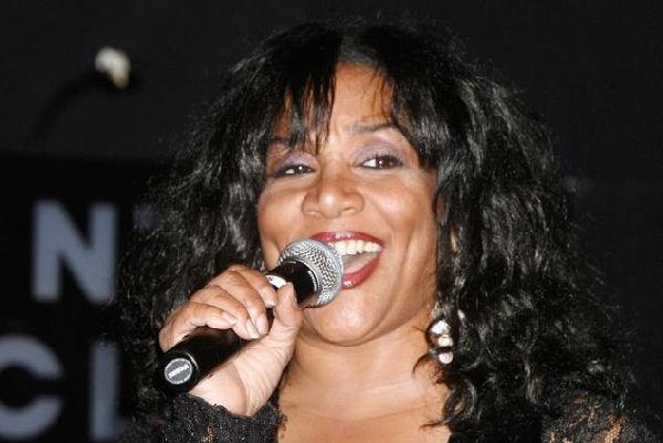 Falleció Joni Sledge, cantante de Sister Sledge